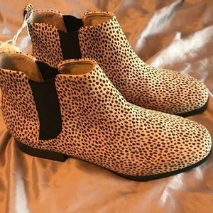 NWT Old Navy leopard print booties